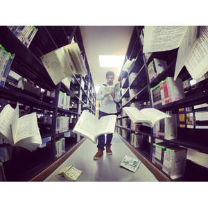 フリー写真, 人物, 男性, アジア人男性, 大学生, 学生(生徒), 読む(読書), 本(書籍), 図書館