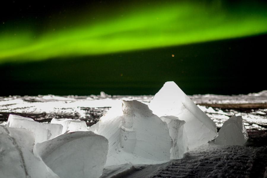 フリー写真 氷とオーロラの風景