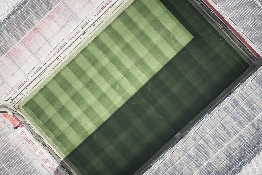 フリー写真 真上から見下ろすサッカースタジアム