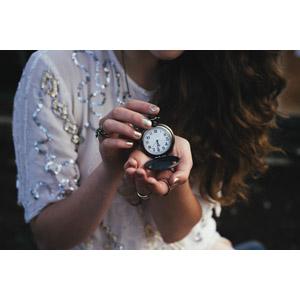 フリー写真, 女性, 手, 時計, 懐中時計, 時間