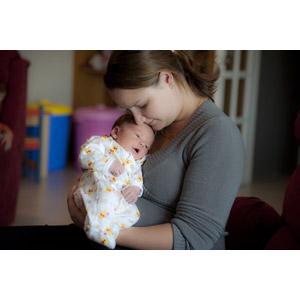 フリー写真, 人物, 親子, 母親(お母さん), 子供, 赤ちゃん, 二人, 目を閉じる