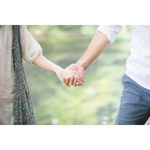 フリー写真, 人物, カップル, 夫婦, 手をつなぐ, 人体, 手, 二人, 愛(ラブ)