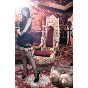 フリー写真, 人物, 女性, アジア人女性, 喬喬兒(00135), 中国人, ゴスロリ, ロリータ・ファッション, 杖(ロッド), 王座(玉座)