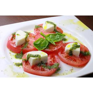 フリー写真, 食べ物(食料), 料理, イタリア料理, サラダ, チーズ料理, カプレーゼ, 野菜, トマト, 野菜料理