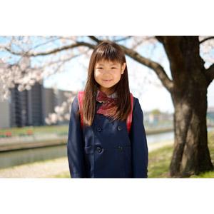 フリー写真, 人物, 子供, 女の子, アジアの女の子, 日本人, 女の子(00119), 学生(生徒), 小学生, 学生服, 桜(サクラ), 春