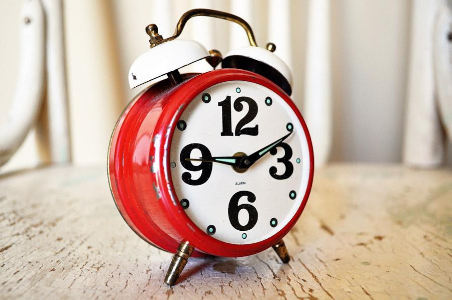フリー写真 目覚まし時計