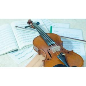 フリー写真, 音楽, 楽器, 弦楽器, バイオリン(ヴァイオリン), 楽譜