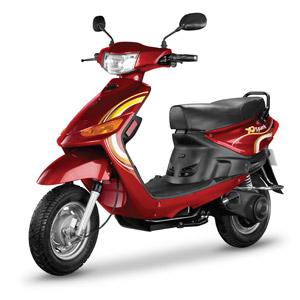 フリー写真, 乗り物, バイク(オートバイ), スクーター, 電動スクーター, 電気自動車, 白背景