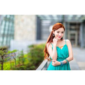 フリー写真, 人物, 女性, アジア人女性, 巧巧(00189), 中国人, 顎に手を当てる