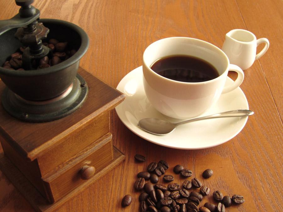 フリー写真 コーヒーミルで挽いたコーヒー