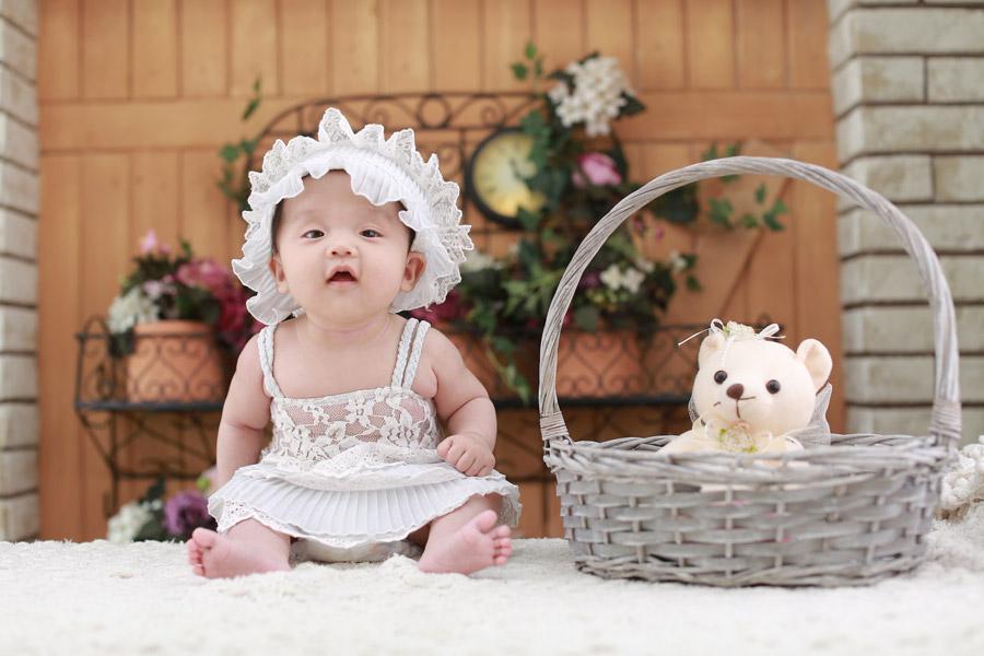 フリー写真 赤ちゃんとテディベア