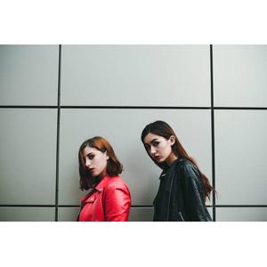 フリー写真, 人物, 女性, 外国人女性, 二人, 革ジャン(レザージャケット)