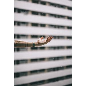 フリー写真, 人体, 手, 雨, 天気