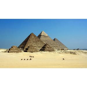 フリー写真, 風景, 建造物, 建築物, ピラミッド, ギザのピラミッド, 砂漠, ラクダ, 世界遺産, エジプトの風景, 青空
