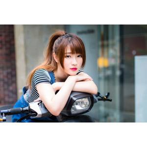 フリー写真, 人物, 女性, アジア人女性, 欣欣(00001), 中国人, 人と乗り物, スクーター