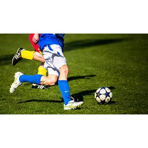 フリー写真, スポーツ, 球技, サッカー, サッカーボール, 人体, 足, 脚, 芝生