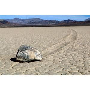 フリー写真, 風景, 自然, 石, デスヴァレー国立公園, 砂漠, アメリカの風景, カリフォルニア州, セーリング・ストーン, 地割れ