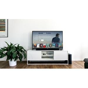 フリー写真, 風景, 部屋, リビングルーム, 家電機器, テレビ(TV), 液晶テレビ, 観葉植物, Apple TV, アップル(Apple)