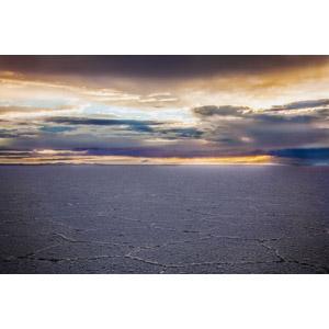 フリー写真, 風景, 塩湖, ウユニ塩湖, ボリビアの風景, 雲, 夕暮れ(夕方)