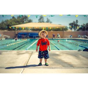 フリー写真, 人物, 子供, 男の子, 外国の男の子, アメリカ人, 帽子, プール