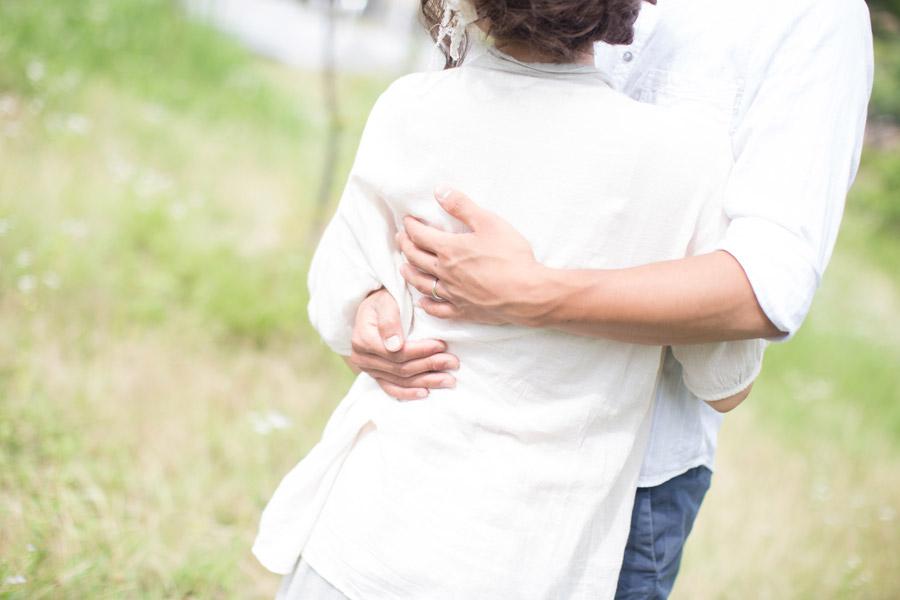 フリー写真 抱き合っているカップル