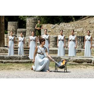フリー写真, 人物, 集団(グループ), オリンピック, リオデジャネイロオリンピック, 聖火, 松明(たいまつ), オリンピア, 世界遺産, ギリシャの風景