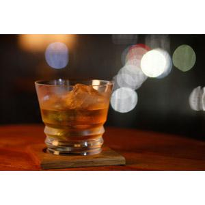 フリー写真, 飲み物(飲料), お酒, ウイスキー, 玉ボケ