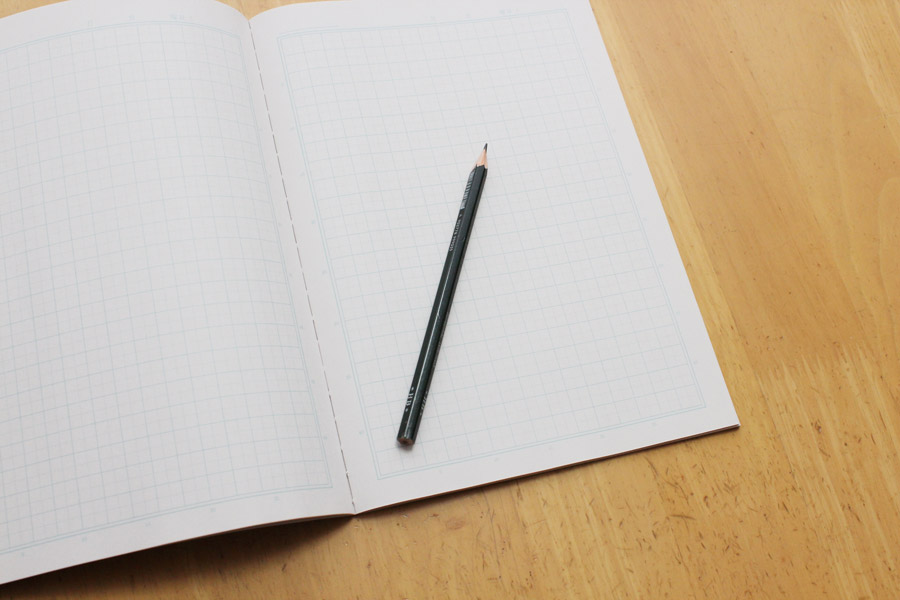フリー写真 ノートと鉛筆