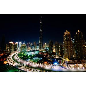 フリー写真, 風景, 建造物, 建築物, 高層ビル, 都市, 街並み(町並み), ブルジュ・ハリファ, ドバイ, アラブ首長国連邦の風景, 夜, 夜景