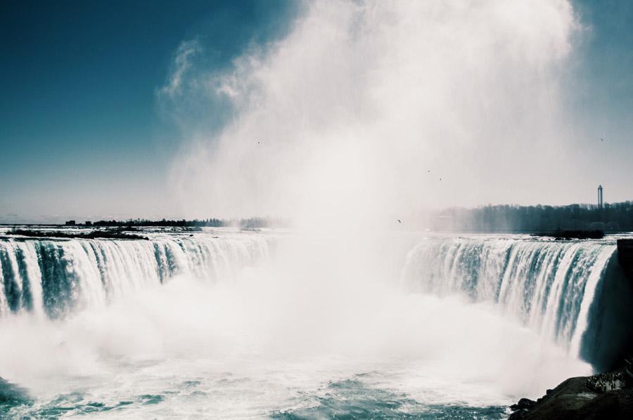フリー写真 ナイアガラの滝の風景