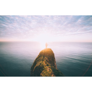 フリー写真, 風景, 崖, 海, 太陽光(日光), 人と風景, 後ろ姿, イギリスの風景, イングランド