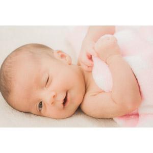 フリー写真, 人物, 子供, 赤ちゃん, ウインク