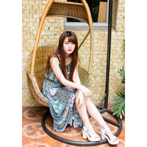 フリー写真, 人物, 女性, アジア人女性, 欣欣(00001), 中国人, 座る(椅子)