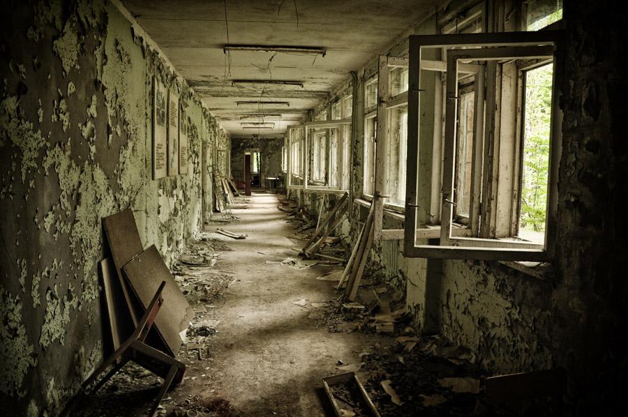 フリー写真 チェルノブイリ事故によって放置されたままの建物