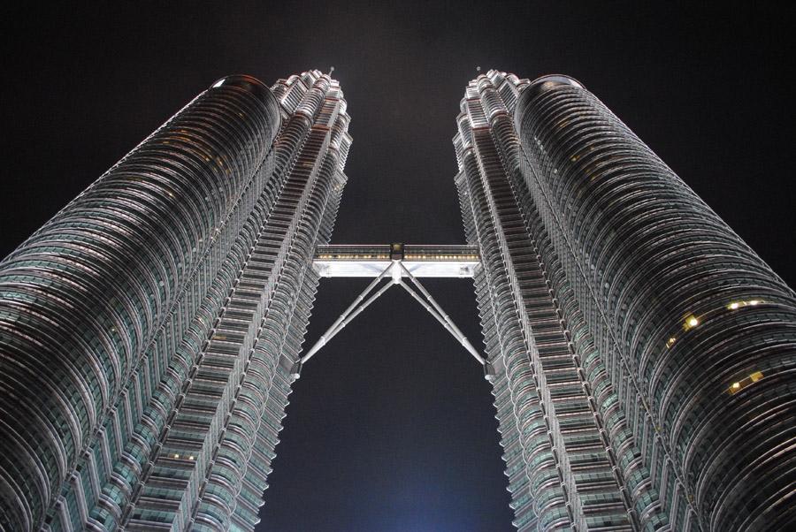 フリー写真 夜のペトロナスツインタワー