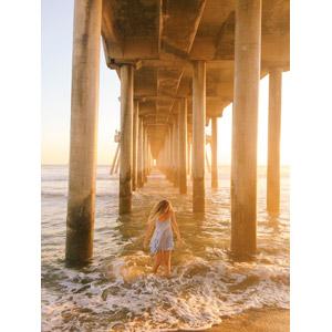 フリー写真, 人物, 女性, 外国人女性, 人と風景, 桟橋, 海, ビーチ(砂浜), アメリカの風景, カリフォルニア州