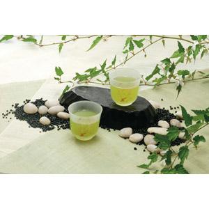 フリー写真, 飲み物(飲料), お茶, 緑茶(日本茶), 石, 葉っぱ