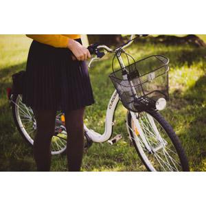 フリー写真, 人物, 女性, 人と乗り物, 乗り物, 自転車