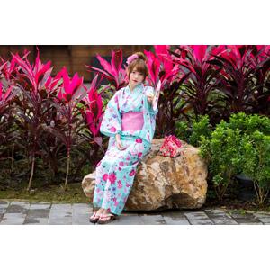 フリー写真, 人物, 女性, アジア人女性, 欣欣(00001), 中国人, 和服, 浴衣, うちわ, 巾着袋