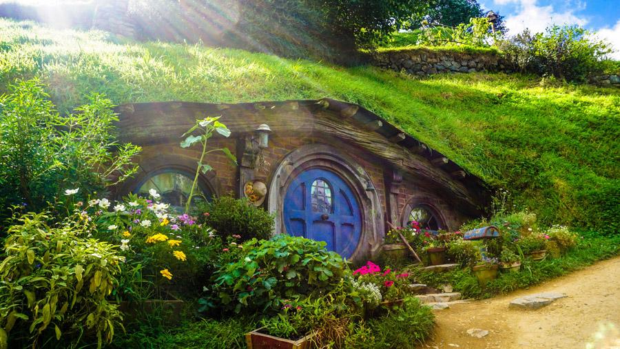 フリー写真 ロード・オブ・ザ・リングのホビット族の家の風景
