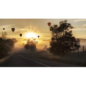 フリー写真, 風景, 道路, 朝, 朝日, 太陽光(日光), 霧(霞), 乗り物, 熱気球