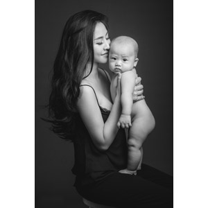 フリー写真, 人物, 親子, 母親(お母さん), 子供, 赤ちゃん, 頬ずり, モノクロ, 二人