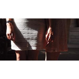 フリー写真, 人物, 女性, 人体, 脚, 二人, 手を重ねる