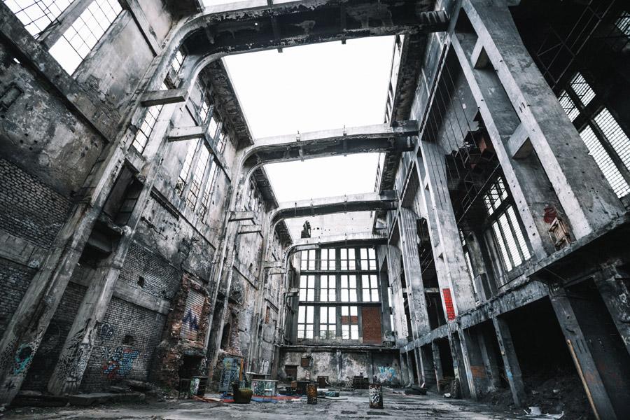フリー写真 廃墟となった建物の風景