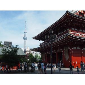 フリー写真, 風景, 建造物, 建築物, 寺院, お寺(仏閣), 浅草寺, 日本の風景, 東京都, 塔(タワー), 東京スカイツリー