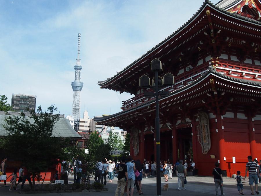 フリー写真 浅草寺と東京スカイツリーの風景