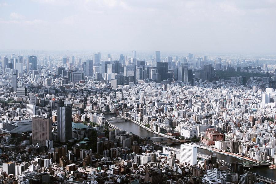 フリー写真 隅田川と東京都墨田区の街並み