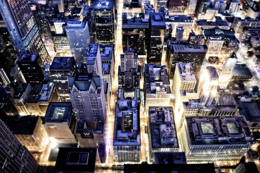 フリー写真 高い場所から見下ろすシカゴの都市の夜景
