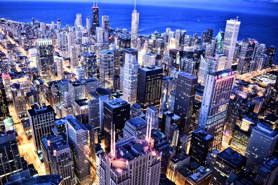 フリー写真 ライトアップされたシカゴの街並み