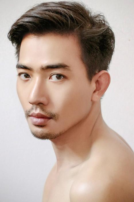 フリー写真 髭を生やしたアジア人男性のポートレイト